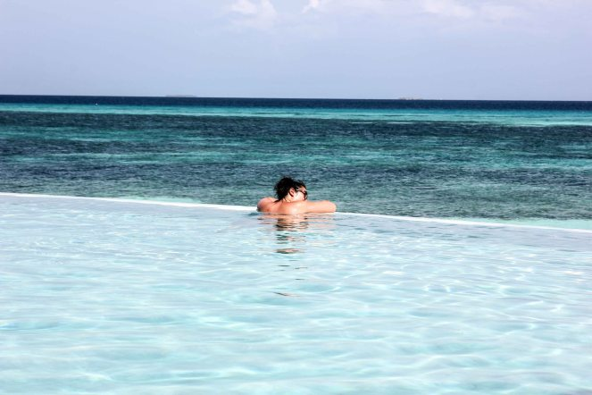 Infinite Pool (Sangu Villa Guests Only)